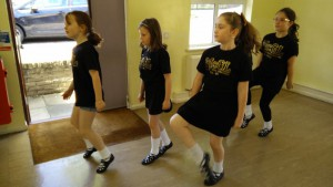 Young McGahan Lees dancers enjoying themselves in class